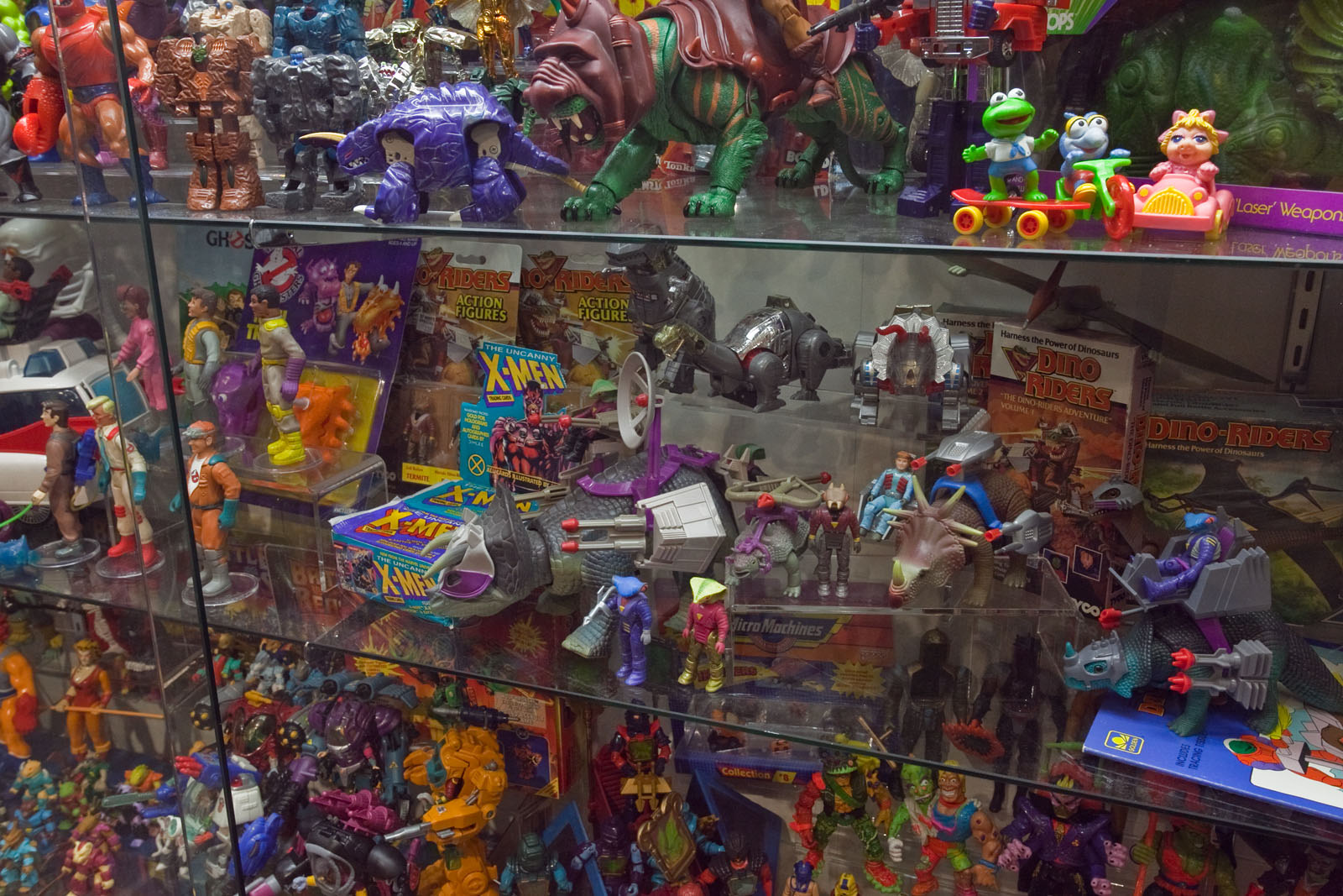 80 Toy Action Figure Shelves - chriscollection6_Beautiful 80 Toy Action Figure Shelves - chriscollection6  Pic_431425.jpg
