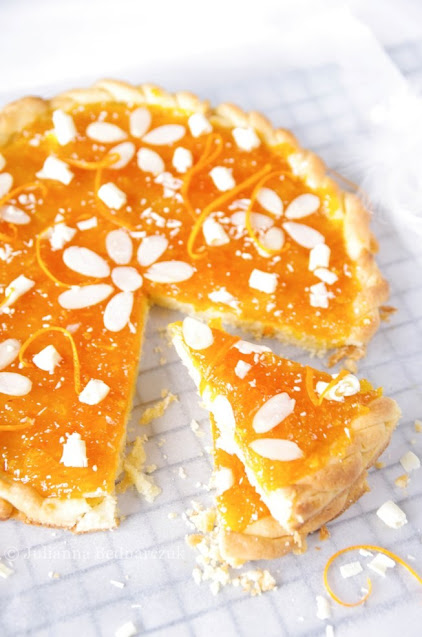 Mazurek pomarańczowy z białą czekoladą