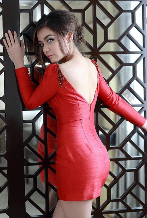 Myanmar Stars in Burmese Style | Nude women in public