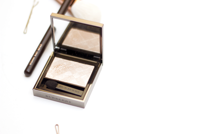 Burberry Eyeshadow Gold Pearl is just as great as highlighter