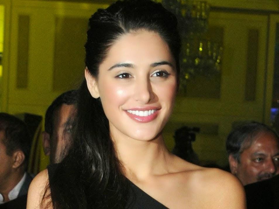 Celebrities Hd Wallpaper Download Nargis Fakhri Hd: STAR CELEBRITY WALLPAPERS: Nargis Fakhri HD Wallpapers