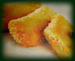 Isi risoles bervariatif ada yang memakai isi daging ayam dan sayur Resep Risoles Isi Sayur Ayam