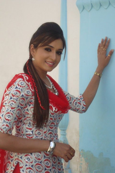 Cute desi college girl - Punjabi desi pic ...