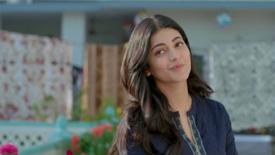 Shruti Haasan Facebook Profile HD Image