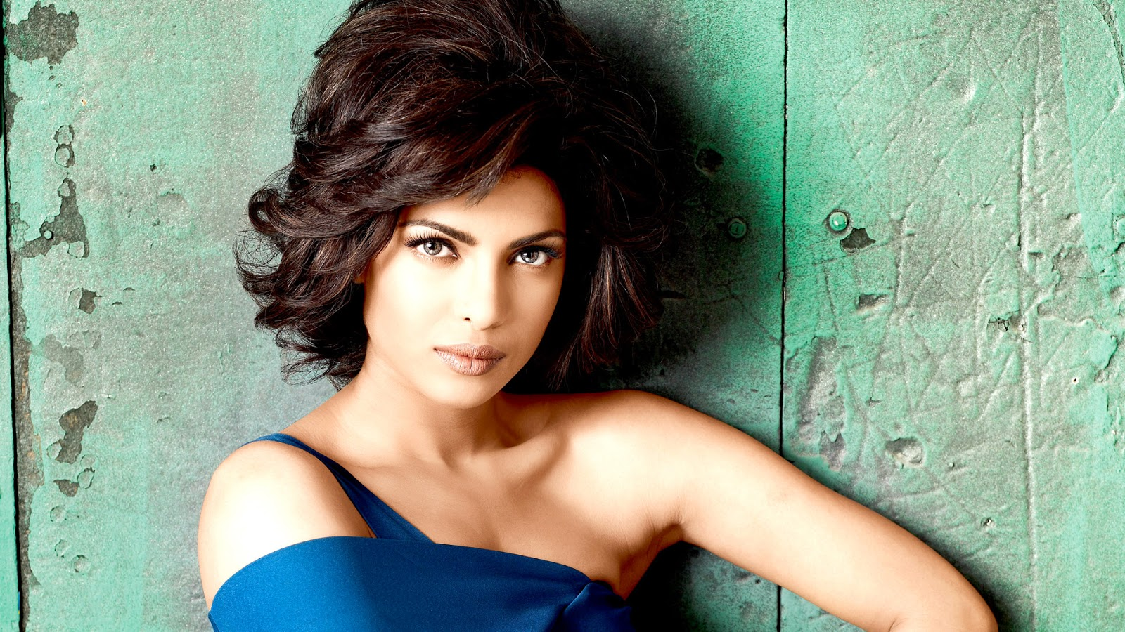 Priyanka Chopra Gorgeous HD Wallpaper