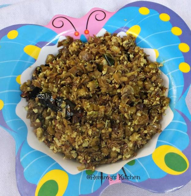 Vazha chundu cherupayar thoran / vazha koombu cherupayar thoran / Banana flower and green gram stir fry