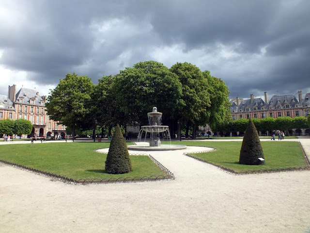 Place des Vosgues, Le Marais París