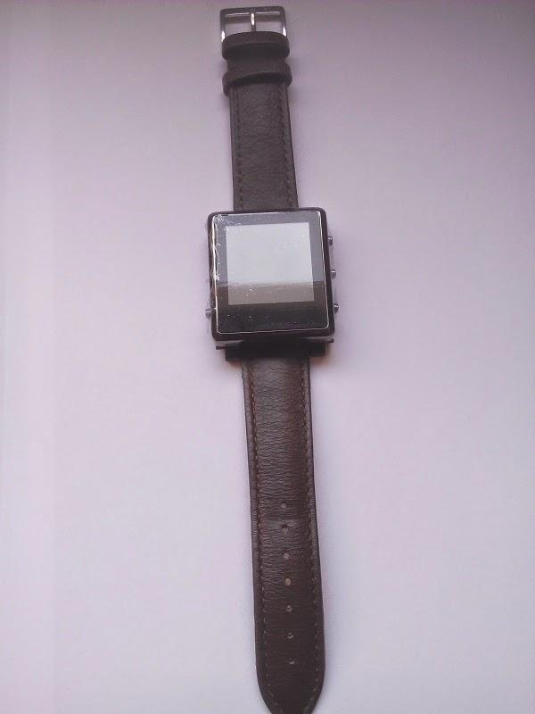 60712114b574 Reloj chuleta  El reloj chuleta con correa de piel  reloj chuleta SOS