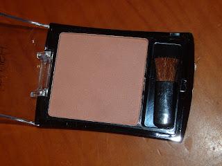 colorete marrón con brocha