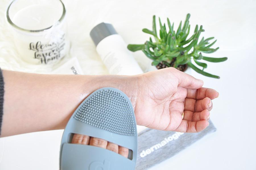 cleansing mitt
