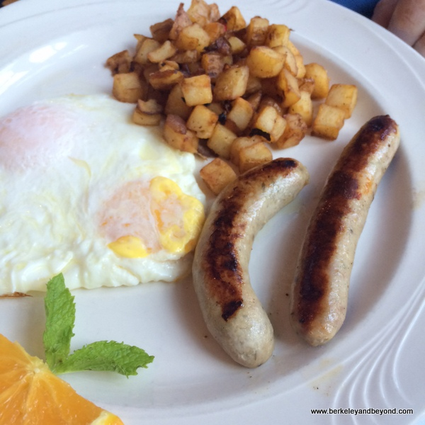 country breakfast at Benbow Historic Inn restaurant in Garberville, California