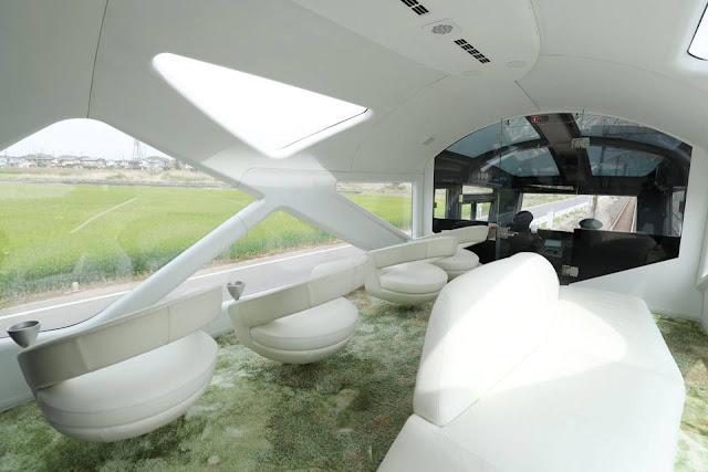 imagini tren-vagoane-japonia-lux