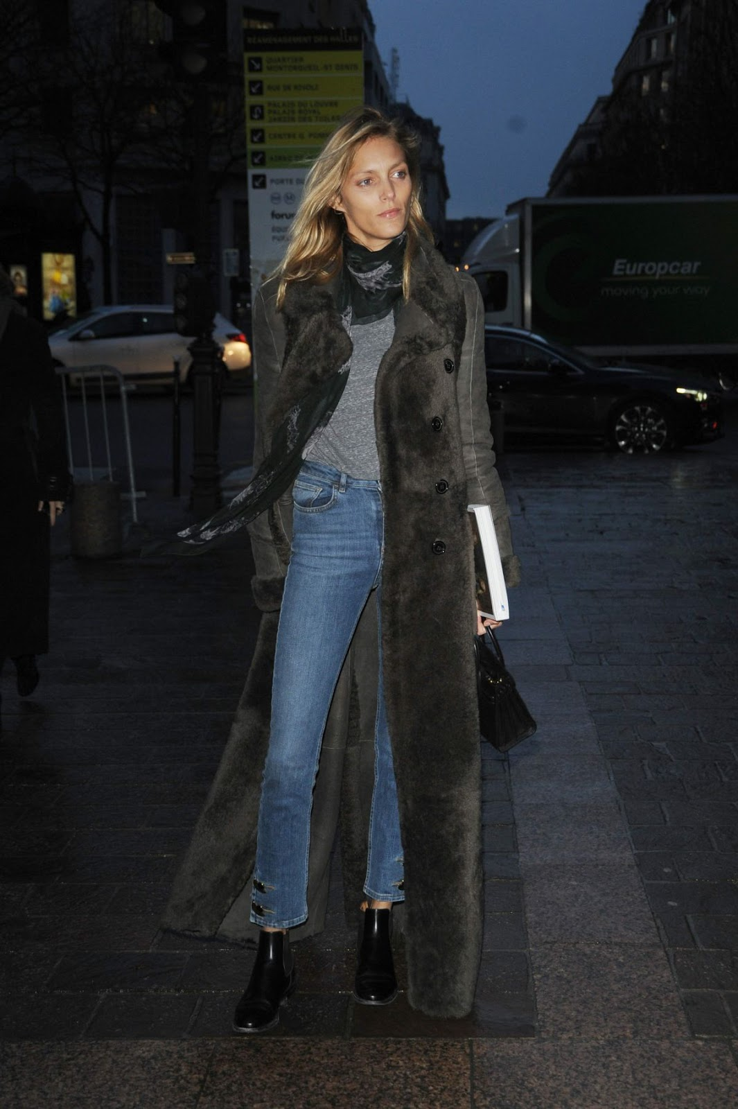 Anja Rubik Street Style at Paris Fashion Week Autumn Winter 2016