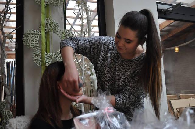 aplikacja kosmetykow mineralnych