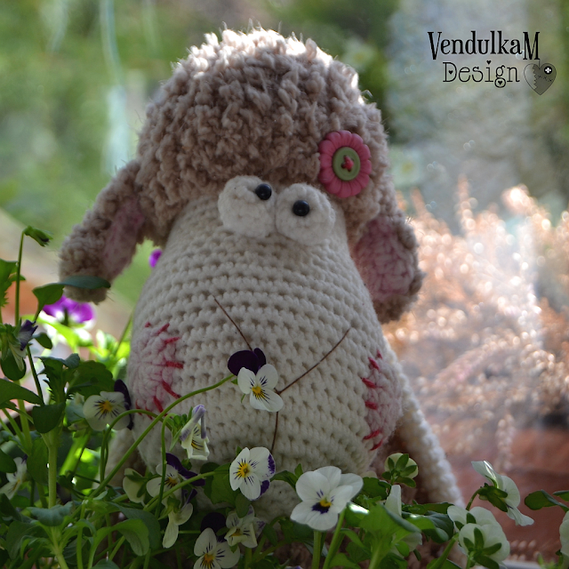 Crochet sheep by Vendula Maderska