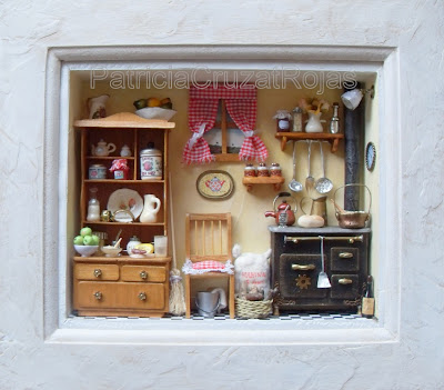 Patricia cruzat artesania y color cocinas con miniaturas for Cuadros para cocinas modernas