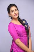 Madhu Shalini laest glam pics-thumbnail-9