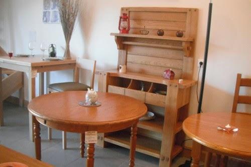 """Le magasin d'usine """"Tables et Chaises de chez nous"""" en Cote d'Or"""