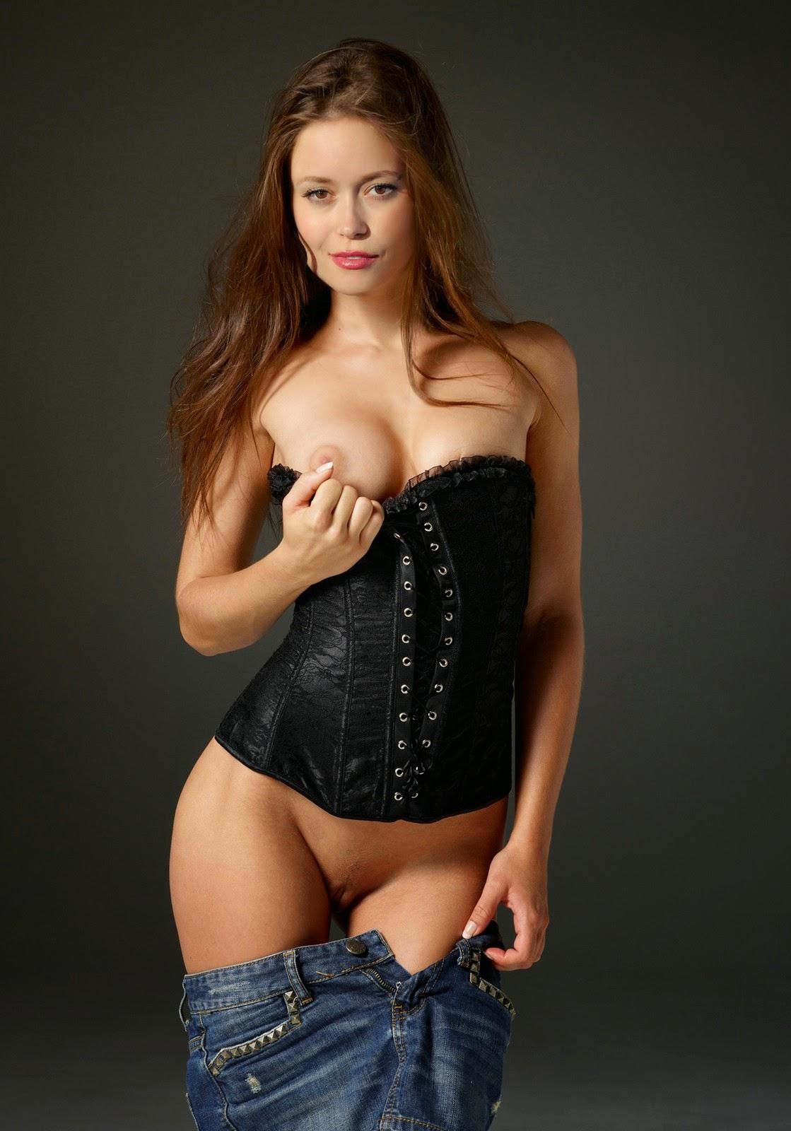 nude sexy hot schone frau