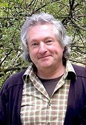 Trommelt immer noch mit Begeisterung: Schlagzeuger Jürgen Weritz (58). (Foto: Ulrich Horstmann)