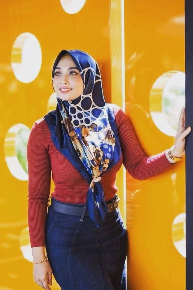 jilbab elzatta terbaru seksi dan hot model cewek igo
