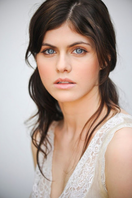 alexandra-daddario-beautiful-photo