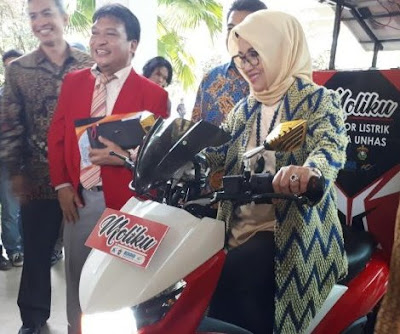Launching Moliku, motor kurir listrik pertama di Indonesia.