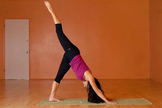 Mỗi ngày một tư thế Yoga | 4-Tư thế gập người một chân
