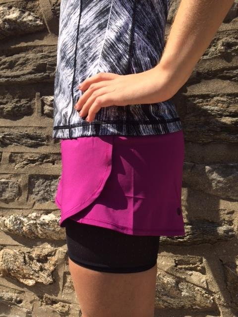 lululemon-hot-to-street plum-short-tank