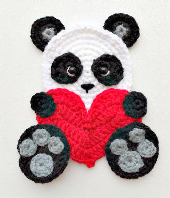 panda bear with heart applique crochet pattern