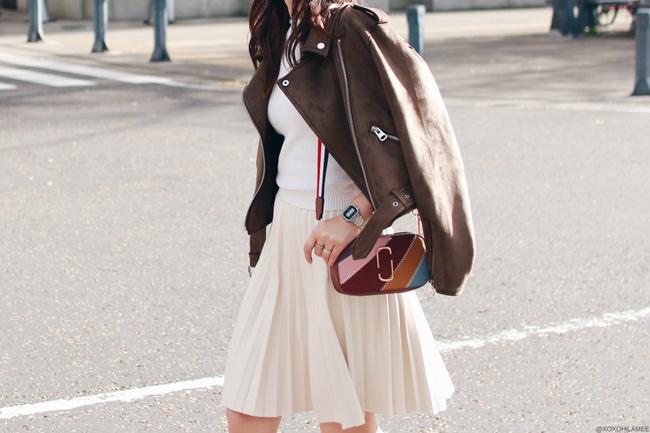 ファッションブロガー日本人,MizuhoK,今日のコーデ,ZARA-ライダースジャケット,フェイクレザープリーツスカート,ニットタンク,Choies-クリアウェッジソールパンプス,Zaful-マルチカラーパッチワーククロスボディバッグ,フェミニンスタイル