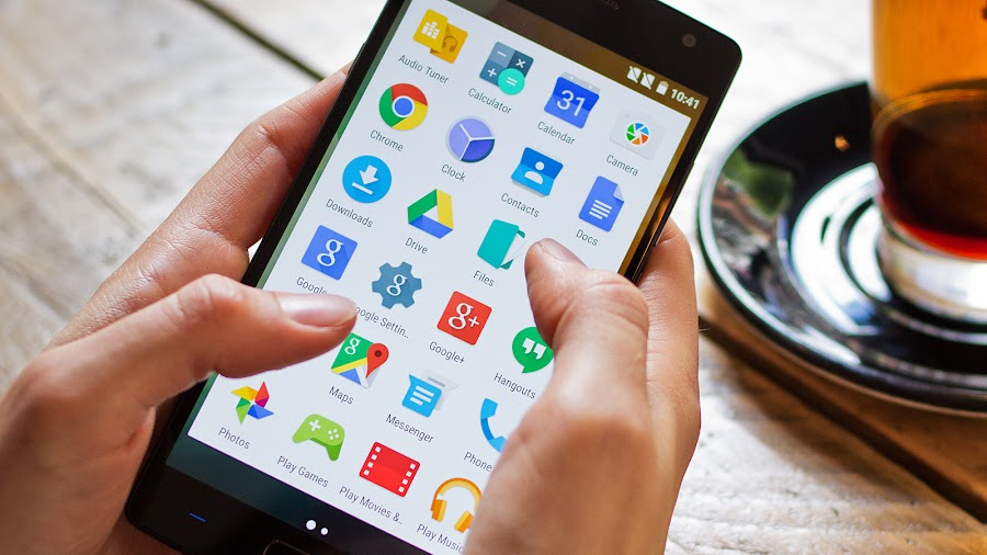 raul vittor alfaro smartphone ideal