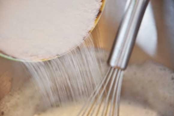Hoe maak je Zwitserse merengue botercreme