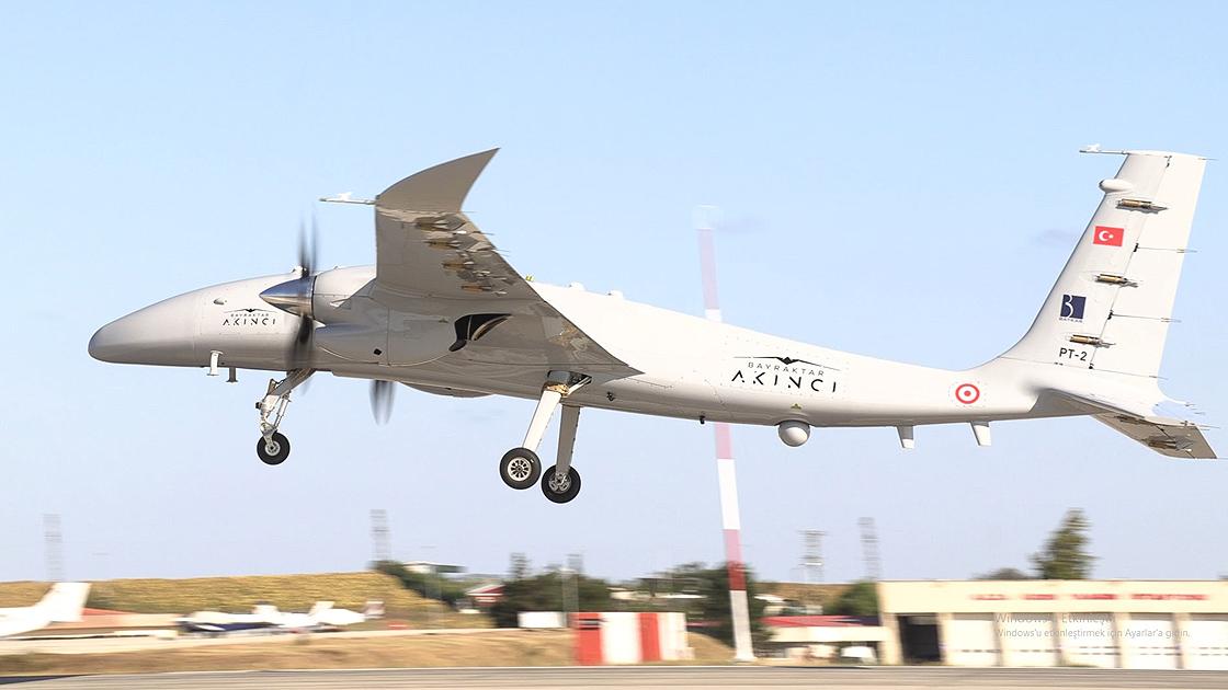 Другий прототип турецько-українського безпілотника Akinci здійснив перший політ