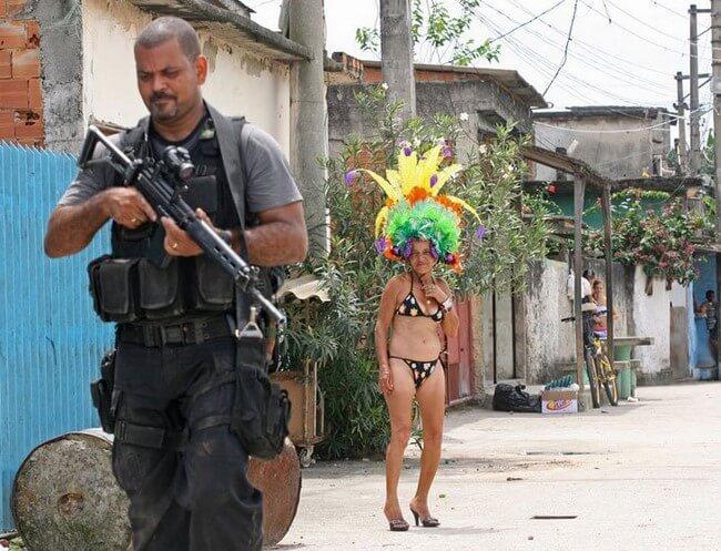 Fantasias bizarras de carnaval