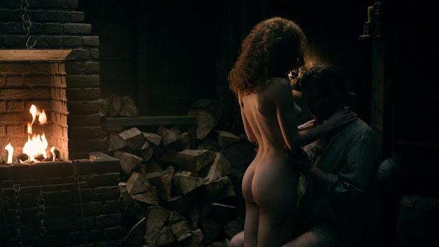 Sophie Skelton topless