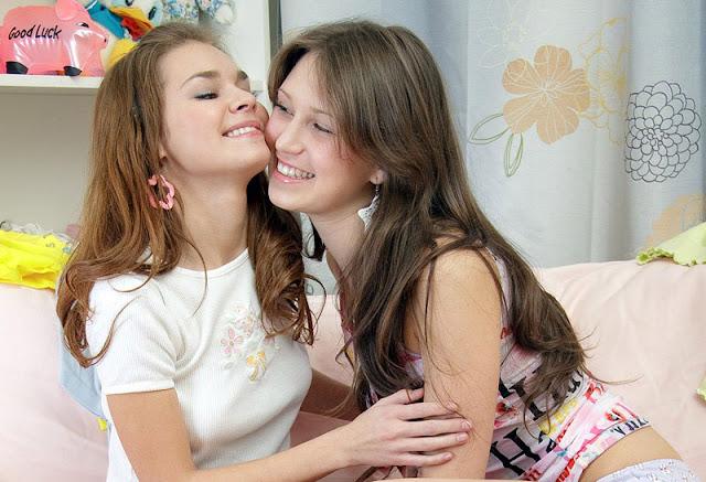 Ciri-ciri Wanita Lesbian yang Perlu Kamu Ketahui
