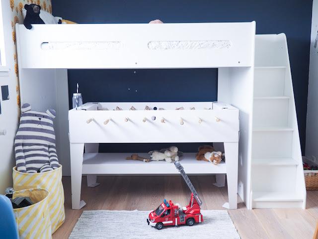 le nouveau lit de diego avec vertbaudet dans un petit village. Black Bedroom Furniture Sets. Home Design Ideas