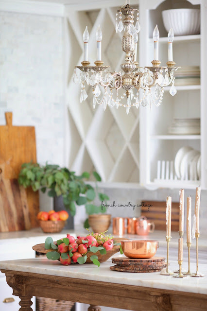 Early autumn decor in the kitchen