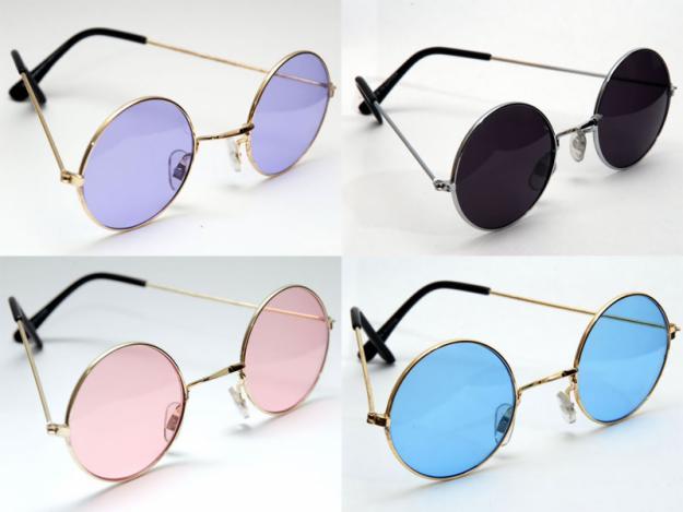 Só que não são qualquer modelo,o estilo Ozzy Osbourne,John Lennon etc.A  moda antiga voltou,são óculos que seguem o estilo Hippie cheio de paz e  amor. 6aa957e52f