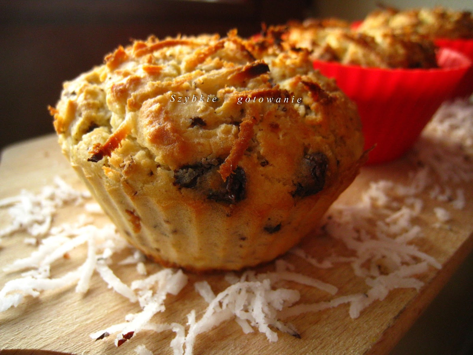 Muffinki z białej fasoli z czekoladą i wiórkami kokosowymi