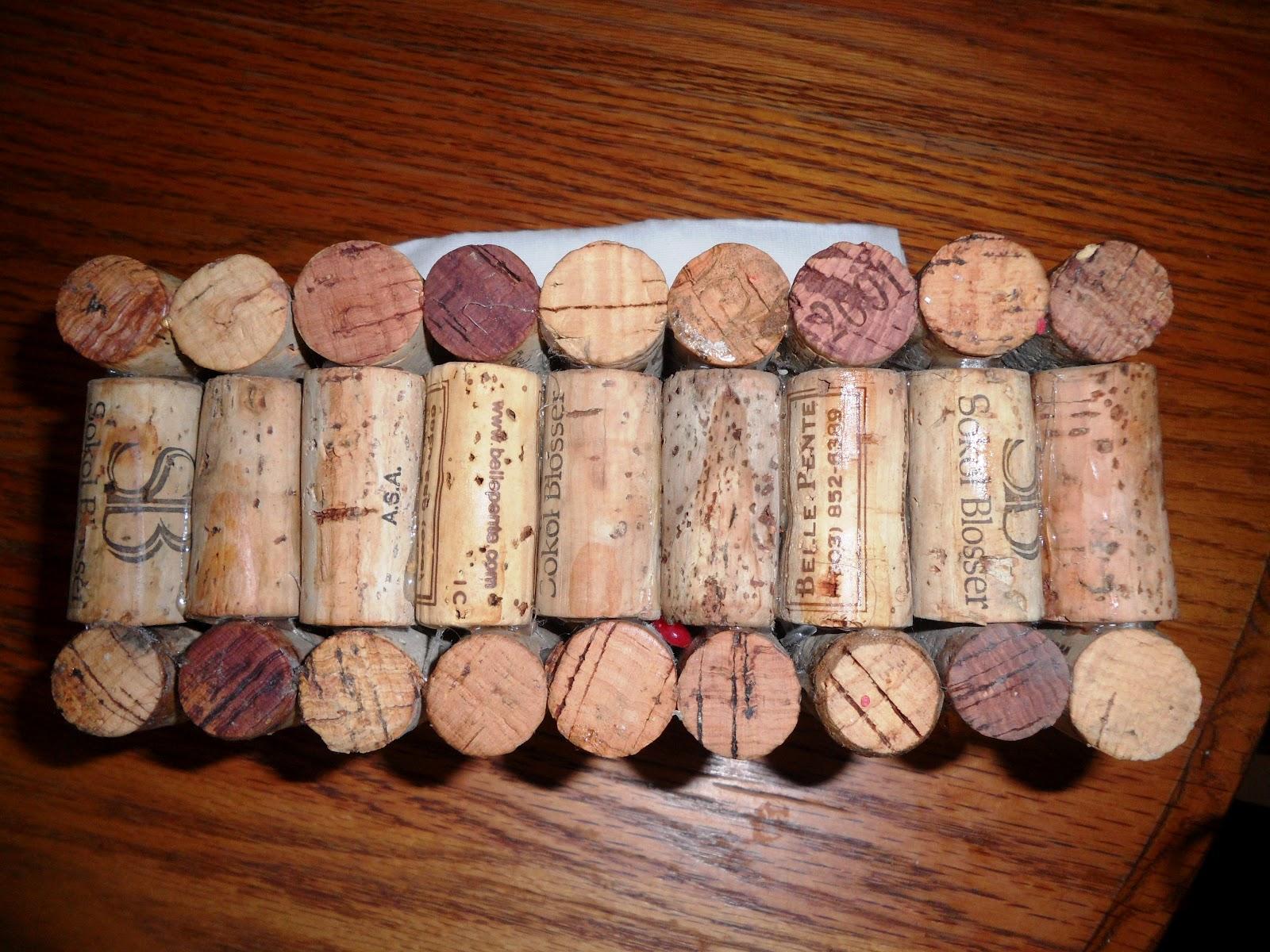 How to create a wine cork napkin holder melissa kaylene for Kids crafts with wine corks