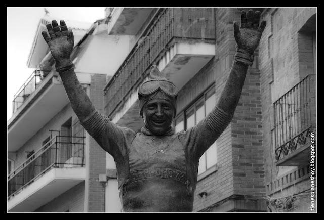 Estatua Francisco Fernandez Ochoa Cercedilla