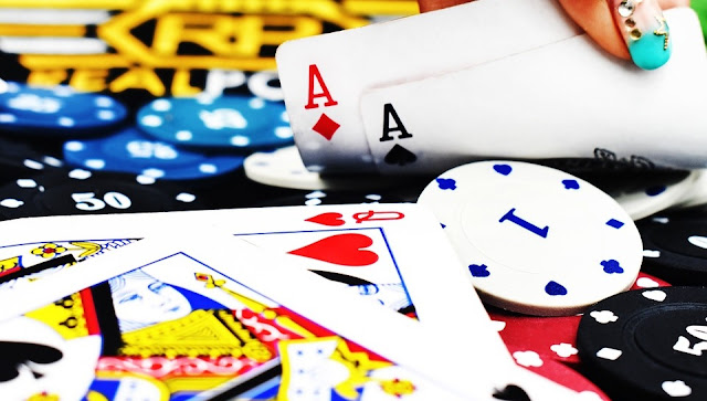 Image: Poker: Queens and Aces, by Clifford Photography on Pixabay