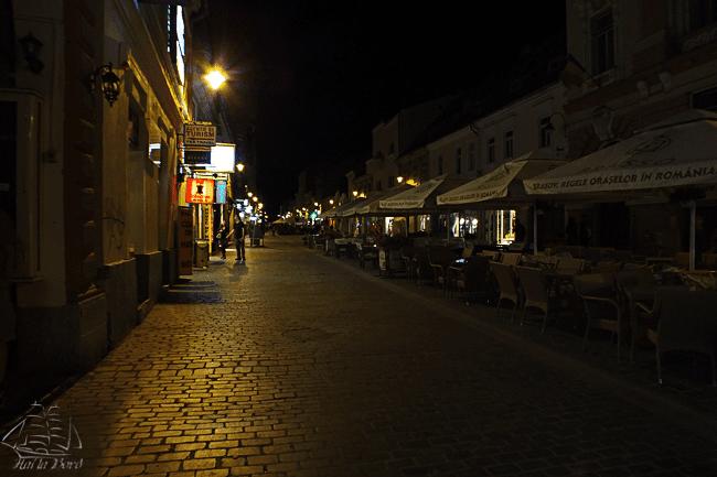 strada republicii brasov seara