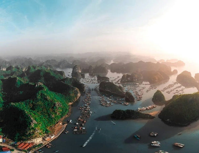 'Conquering' the jewel of Vietnam tourism: Ha Long Bay
