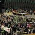 Deputados decidem se denúncia contra Dilma será aceita; votação começa às 14h