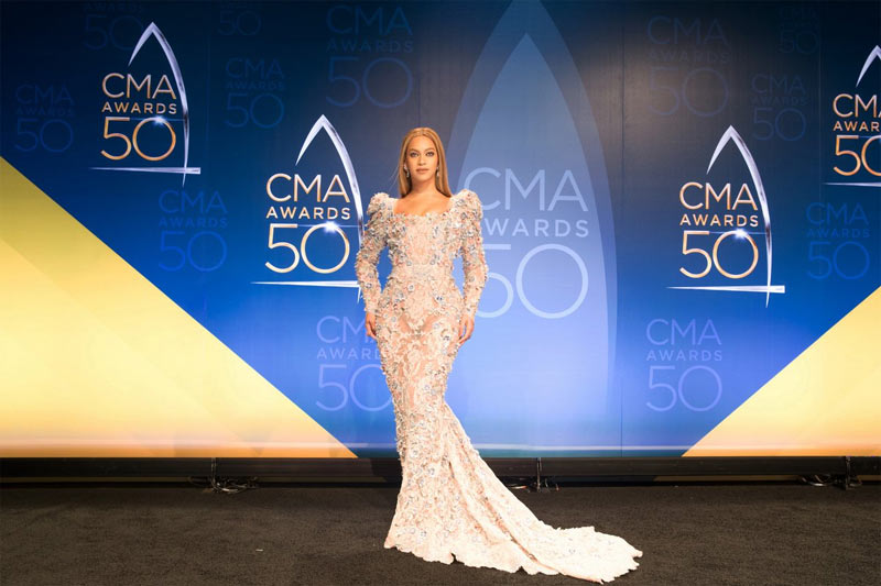 Beyonce slays at CMA Awards 2016