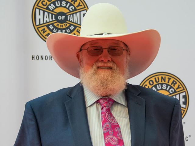 "Charlie Daniels lanza ""Beau Weevils: Songs in the Key of E"""