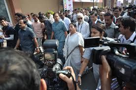 Mamata holds seven-km walk in Kolkata over defilement of Vidyasagar's statue